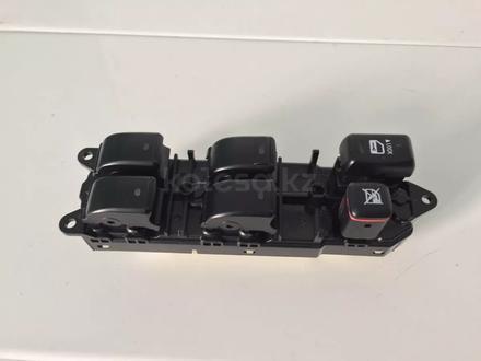 Блок управления стеклоподъемниками Тойота за 18 000 тг. в Петропавловск – фото 2