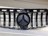 Решетка GT W212 рестайлинг за 130 000 тг. в Алматы – фото 3