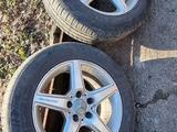Комплект шины и диски R16 за 100 000 тг. в Караганда