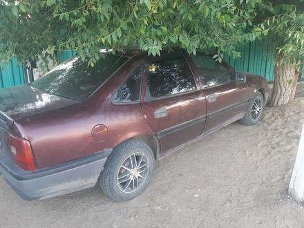 Opel Vectra 1993 года за 630 000 тг. в Актобе – фото 2