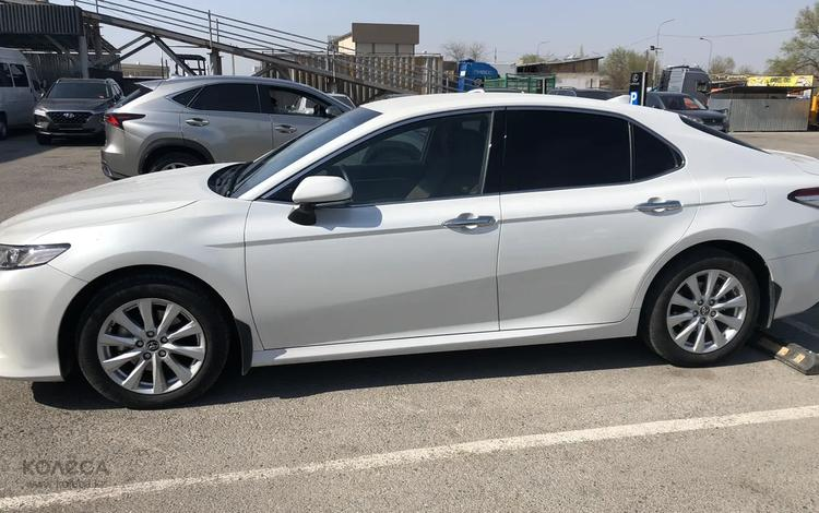 Toyota Camry 2018 года за 12 300 000 тг. в Шымкент