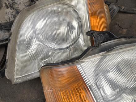 Передние фары Honda Stepwgn (1996-2001) за 30 000 тг. в Алматы – фото 2