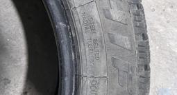 Зимние шипованные шины комплект. за 60 000 тг. в Темиртау – фото 3