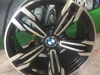 Новые фирменные диски Р17 BMW за 155 000 тг. в Алматы