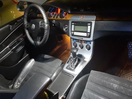Volkswagen Passat 2008 года за 3 500 000 тг. в Уральск – фото 3