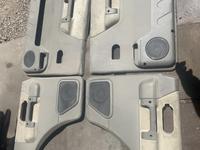 Дверные обшивки дискавери 2 за 32 000 тг. в Алматы