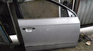 Дверь передняя правая VW Passat B6 за 60 000 тг. в Алматы
