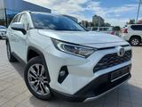 Toyota RAV 4 Prestige 2021 года за 18 540 000 тг. в Костанай – фото 2