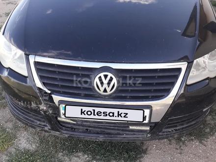 Volkswagen Passat 2008 года за 2 200 000 тг. в Баянаул – фото 5