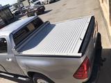 Шторка на Toyota Hilux за 22 000 тг. в Актау – фото 2