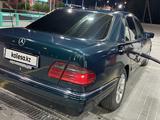 Mercedes-Benz E 230 1996 года за 1 800 000 тг. в Кызылорда – фото 2