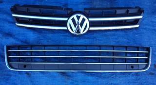 Решетка в бампер верхняя и нижняя на Volkswagen Touareg за 70 000 тг. в Алматы