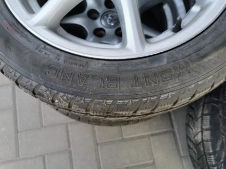R17 Toyota тойота диски с резиной! за 138 750 тг. в Алматы – фото 4