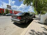 BMW 528 1997 года за 2 450 000 тг. в Караганда – фото 2
