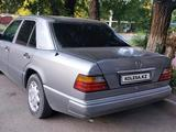 Mercedes-Benz E 200 1991 года за 1 650 000 тг. в Тараз – фото 2