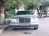 Mercedes-Benz E 200 1991 года за 1 650 000 тг. в Тараз – фото 3