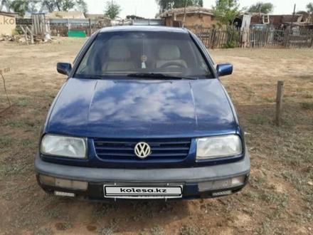 Volkswagen Vento 1992 года за 980 000 тг. в Уральск – фото 2