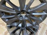 Оригинальные диски Toyota Highlander. за 270 000 тг. в Шымкент – фото 3