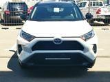 Toyota RAV 4 Style 2021 года за 15 930 000 тг. в Уральск – фото 2