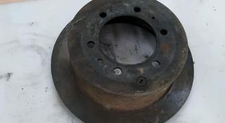 Тормозной диск задний Тойота Лэнд Круизер 80 за 15 000 тг. в Алматы