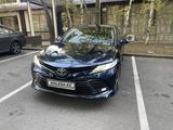 Toyota Camry 2018 года за 12 300 000 тг. в Алматы