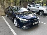 Toyota Camry 2018 года за 12 300 000 тг. в Алматы – фото 2