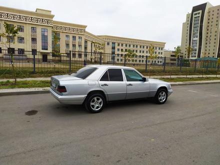Mercedes-Benz E 200 1995 года за 1 900 000 тг. в Нур-Султан (Астана) – фото 15