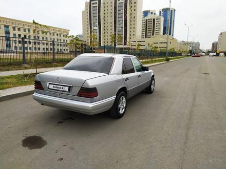 Mercedes-Benz E 200 1995 года за 1 900 000 тг. в Нур-Султан (Астана) – фото 16