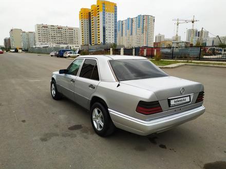 Mercedes-Benz E 200 1995 года за 1 900 000 тг. в Нур-Султан (Астана) – фото 17