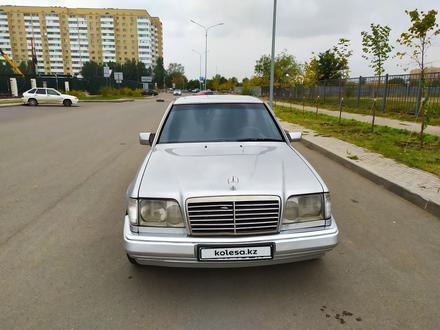 Mercedes-Benz E 200 1995 года за 1 900 000 тг. в Нур-Султан (Астана) – фото 21