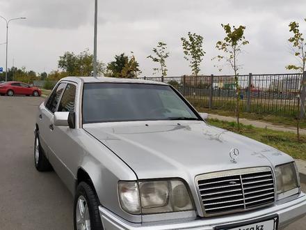 Mercedes-Benz E 200 1995 года за 1 900 000 тг. в Нур-Султан (Астана) – фото 4