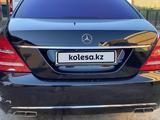 Mercedes-Benz S 550 2007 года за 5 000 000 тг. в Атырау – фото 5