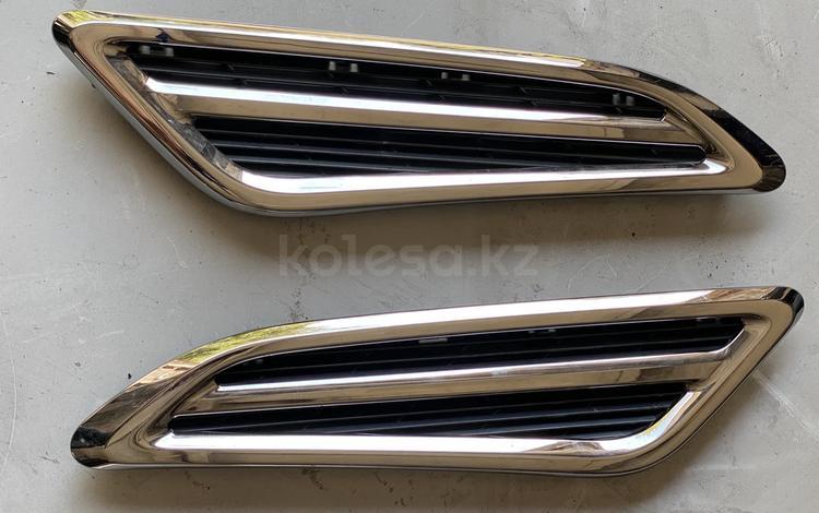 Жабры оригинал на Nissan Patrol Y62 за 10 000 тг. в Караганда