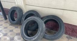 Хорошие зимние шины 235/60/18 за 60 000 тг. в Шымкент