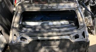 Дверь багажника Рав 4 2014 год за 21 212 тг. в Алматы
