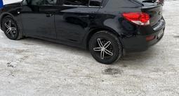 Chevrolet Cruze 2013 года за 3 600 000 тг. в Петропавловск – фото 2