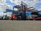 Toyota  8FG25/ 2,5т., 3м., вагонка, автомат, компакт 2014 года за 7 800 000 тг. в Алматы