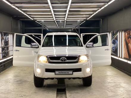 Toyota Hilux 2010 года за 5 800 000 тг. в Актау