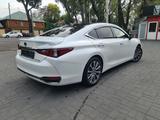 Lexus ES 250 2020 года за 23 190 000 тг. в Алматы – фото 3