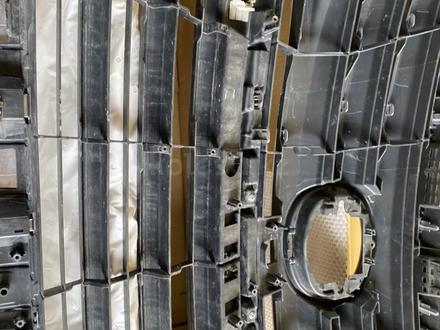 Решетка радиатора на LEXUS LX570 2017 за 160 000 тг. в Алматы – фото 6