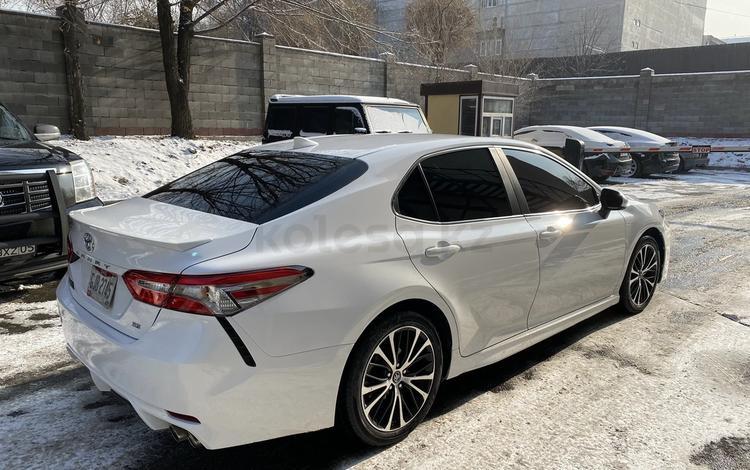 Toyota Camry 2019 года за 12 300 000 тг. в Шымкент