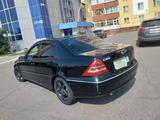 Mercedes-Benz C 180 2003 года за 2 450 000 тг. в Петропавловск – фото 2