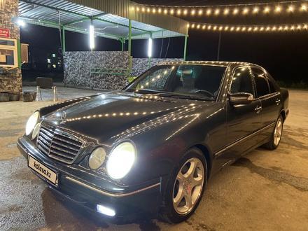 Mercedes-Benz E 320 2000 года за 3 200 000 тг. в Алматы