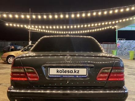 Mercedes-Benz E 320 2000 года за 3 200 000 тг. в Алматы – фото 3