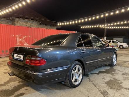 Mercedes-Benz E 320 2000 года за 3 200 000 тг. в Алматы – фото 4