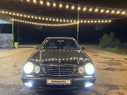 Mercedes-Benz E 320 2000 года за 3 200 000 тг. в Алматы – фото 5
