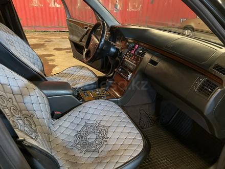 Mercedes-Benz E 320 2000 года за 3 200 000 тг. в Алматы – фото 7
