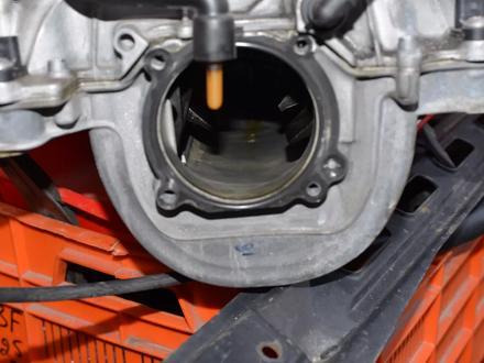 Коллектор впускной на мерседес S350 на 272-й двигатель за 3 000 тг. в Алматы – фото 3