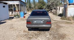 Mercedes-Benz E 220 1992 года за 1 300 000 тг. в Кызылорда – фото 2