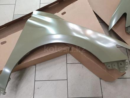Крыло переднее Toyota Camry 70 за 88 000 тг. в Костанай – фото 2